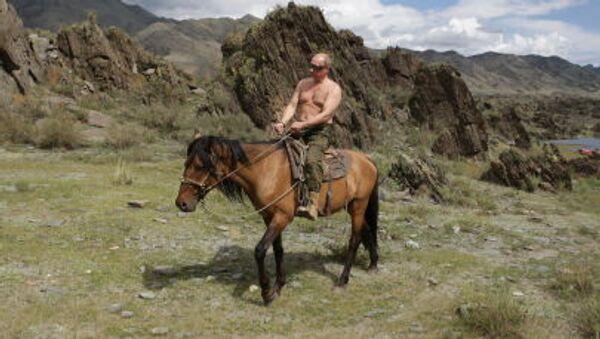 Vladimir Putin on vacation in Tyva Republic - Sputnik International