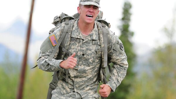 Soldiers compete in a Combat Cross-Country Series, 10-Mile Relay on the Davis Highway - Sputnik International