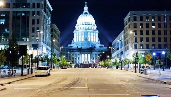The street leading to the state Capitol in Madison, Wisconsin - Sputnik International