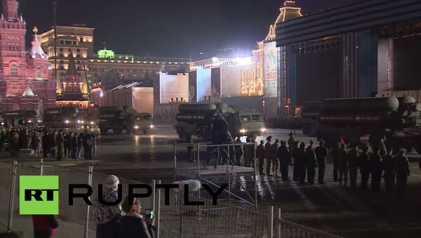 Russia: RS-24 Yars, Armata T-14s parade through Moscow for V-Day rehearsal - Sputnik International