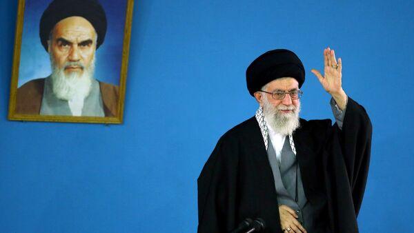 Iran's supreme leader Ayatollah Ali Khamenei, shows him delivering a speech in Tehran on January 7,2015 - Sputnik International