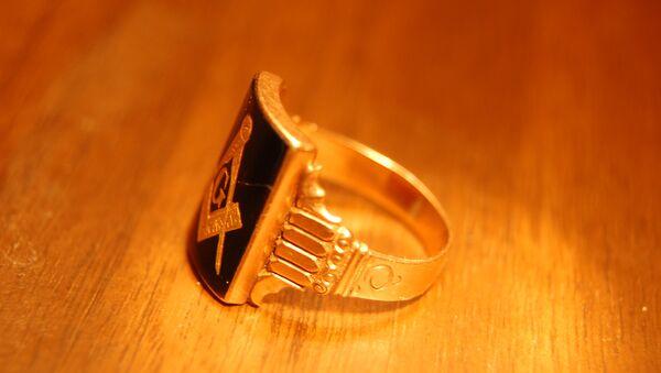 Masonic Gold/Onyx Ring - Sputnik International