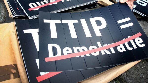 Anti-TTIP banner - Sputnik International