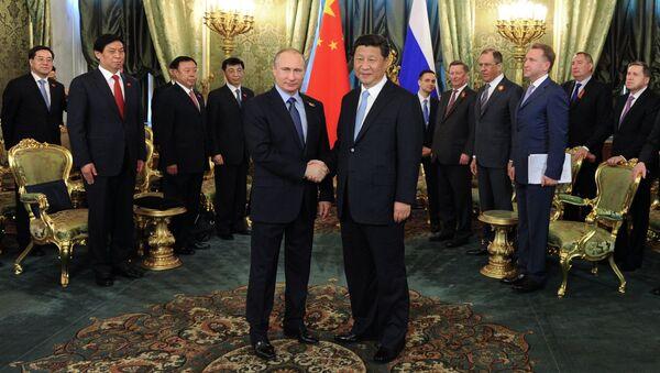 President Vladimir Putin meets with Chinese President Xi Jinping - Sputnik International