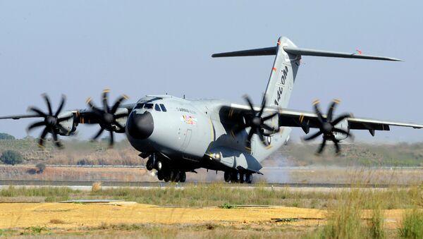 A file picture taken on December 11, 2009 shows an Airbus A400M military transporter landing in Sevilla - Sputnik International