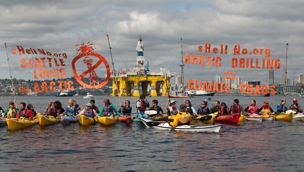 ShellNo flotilla protesters demonstrate in the Puget Sound against the arrival of the Shell Oil Company's drilling rig Polar Pioneer in Seattle, Washington, May 14, 2015 - Sputnik International