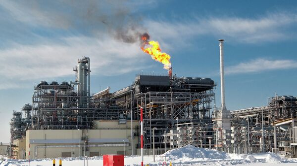 The flare system at Russia's first liquefied natural gas (LNG) plant (the Sakhalin II project), built by Sakhalin Energy Investment Company Ltd. in the village of Prigorodnoye in southern Sakhalin. - Sputnik International
