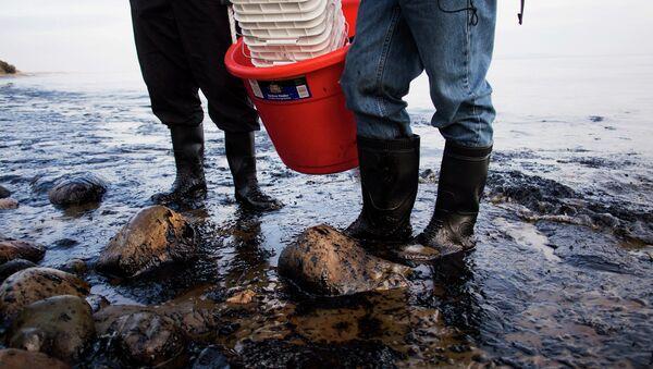 Oil spill - Sputnik International