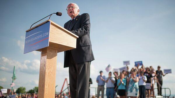 Sen. Bernie Sanders, I-Vt., speaks on Tuesday, May 26, 2015 in Burlington, Vt., where he formally announced he will seek the Democratic nomination for president - Sputnik International
