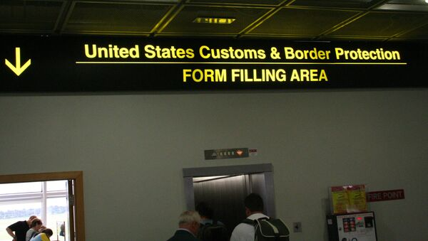 A pilot program by US Department of Homeland Security which uses facial recognition technology to detect immigration violators at points of entry has privacy advocates concerned. - Sputnik International