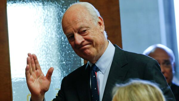United Nations Special Envoy for Syria, Staffan de Mistura arrives for a news conference at the United Nations European headquarters in Geneva, Switzerland, May 5, 2015 - Sputnik International