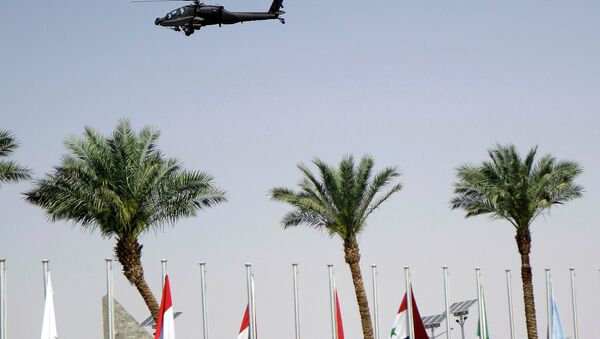 An Egyptian army helicopter patrols the venue of a meeting of Arab heads of state, in Sharm el Sheik, South Sinai, Egypt, Saturday, March 28, 2015 - Sputnik International
