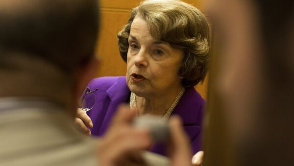 Senator Dianne Feinstein, D-CA, speaks to the press in the Senate at the US Capitol in Washington, DC on May 31, 2015 - Sputnik International
