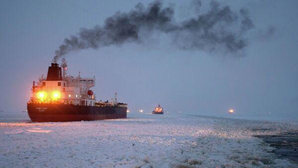 Vaigach nuclear icebreaker leading ships through Gulf of Finland - Sputnik International