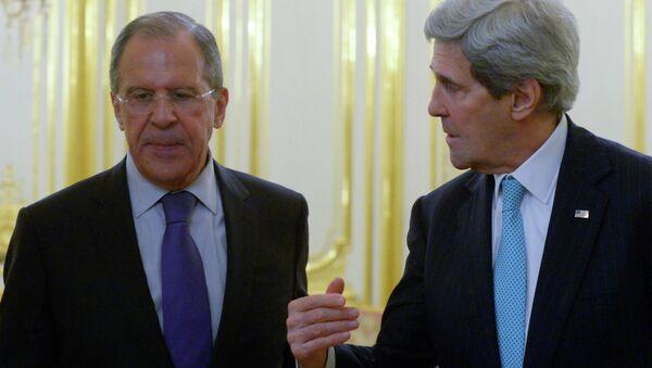 Russian Foreign Minister Sergei Lavrov, left, and US Secretary of State John Kerry - Sputnik International