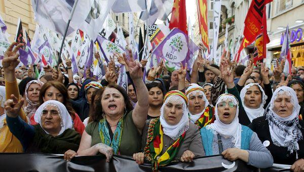 Supporters of pro-Kurdish Peoples' Democratic Party (HDP) - Sputnik International