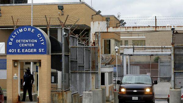 Prisoner transport van departs from the Baltimore City Detention Center, in Baltimore - Sputnik International