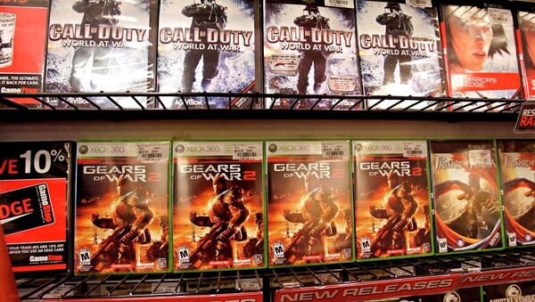Popular game titles Call of Duty and Gears of War 2 on display - Sputnik International