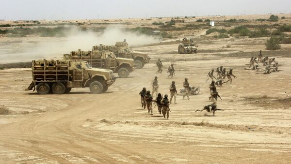 Iraqi, US and Spanish soldiers participate in a training mission outside Baghdad, Iraq - Sputnik International