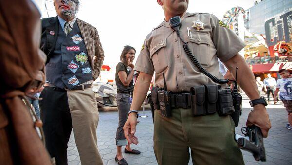 LA County Cops Attribute Spike in Accidental Shootings to Fancy New Gun - Sputnik International