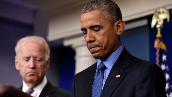 After the fatal terrorist shootings at an historic black church in South Carolina, President Barack Obama again cited lax gun laws as contributing to this type of mass violence. - Sputnik International