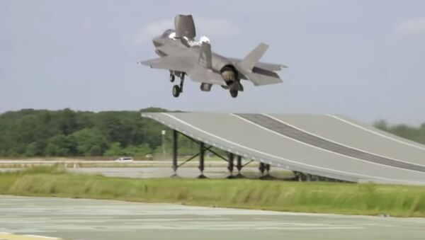The US military has begun testing the ski jump take-offs for the F-35 fighter jet variant that is nearing initial operating capability for use by the US Marines. - Sputnik International