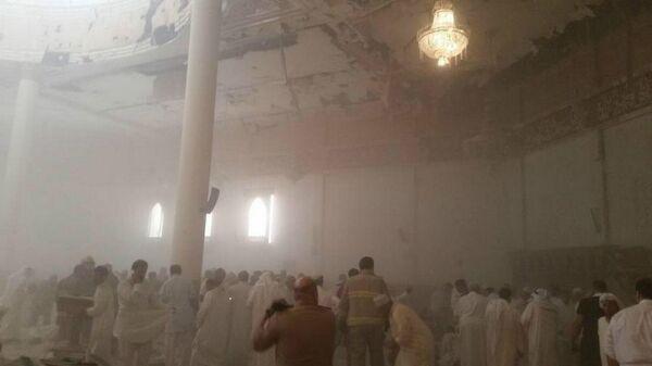 An explosion inside a Shia Mosque in Kuwait  - Sputnik International