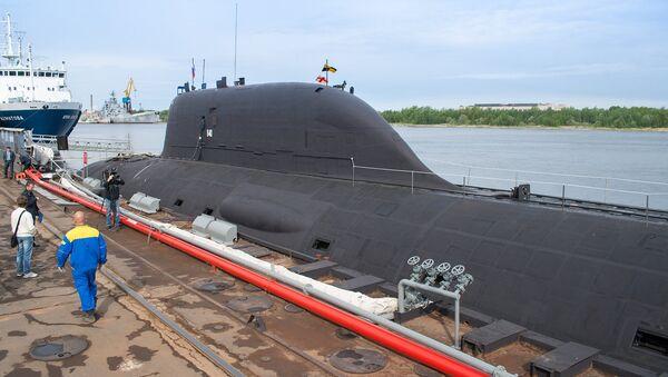 Multirole Yasen K-560 Severodvinsk submarine by the pier of the Sevmash shipyard in Severodvinsk - Sputnik International