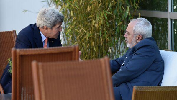 John Kerry and Mohammad Javad Zarif  - Sputnik International