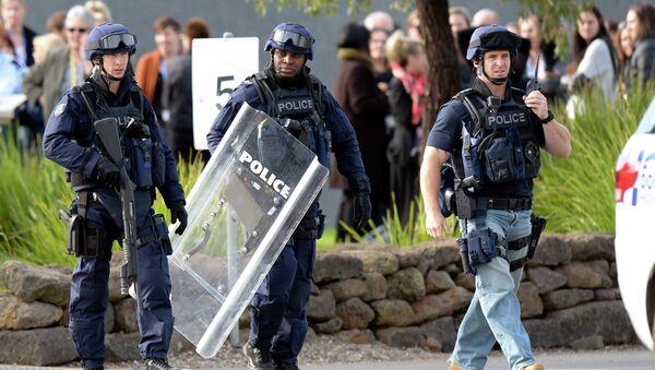 In this Tuesday, June 30, 2015 photo, police walk outside Ravenhall Prison in Melbourne, Australia - Sputnik International