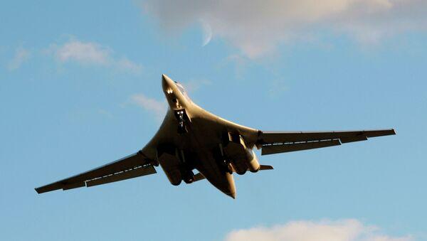 Russia's strategic bomber Tu-160 - Sputnik International