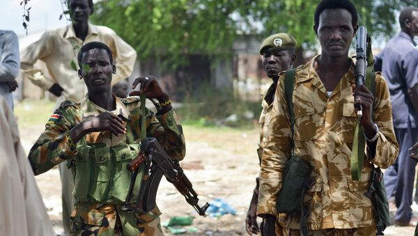 June 24, 2015, South Sudanese government soldiers patrol in Bentiu town, South Sudan. South Sudan's army has burned people alive, raped and shot girls, and forced tens of thousands from their homes - Sputnik International