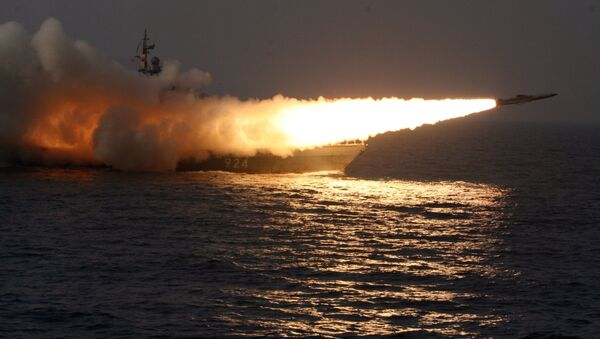 A Moskit supersonic anti-ship missile is launched from a missile boat - Sputnik International