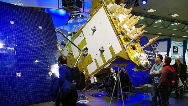 Glonass-K model at the CeBIT exhibition - Sputnik International