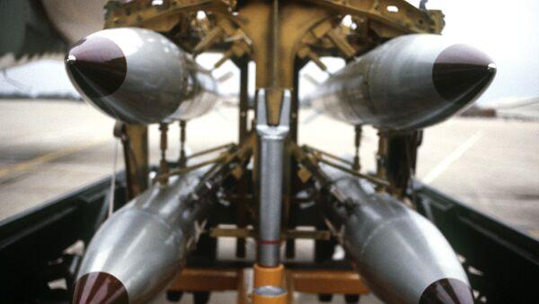 B61s on a bomb rack - Sputnik International