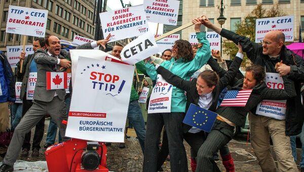 Protest against TTIP and CETA in Berlin - Sputnik International