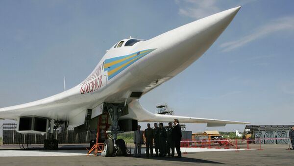 Russian supersonic Tu-160 strategic bomber seen at an airfield near Kazan, about 700 kilometers (450 miles) east of Moscow, file photo - Sputnik International