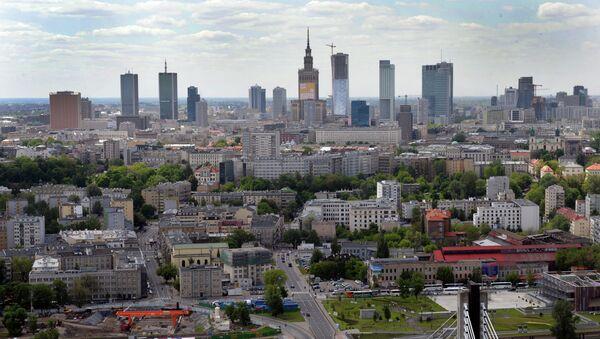Aerial view from a helium balloon shows downtown Warsaw and the Vistula River with the Swietokrzyski Bridge. - Sputnik International