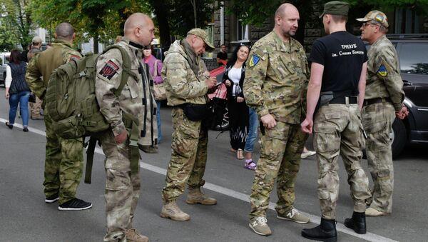 Right Sector holds rally near Ukrainian presidential administration building - Sputnik International