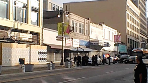 Ten LAPD Cops Taser, Shoot at Homeless Man in Wheelchair (VIDEO) - Sputnik International