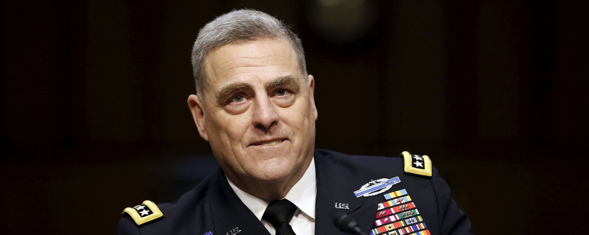 U.S. Army General Mark Milley smiles as he begins his testimony at a Senate Armed Services Committee hearing on his nomination to become the Army's chief of staff, on Capitol Hill in Washington July 21, 2015 - Sputnik International, 1920, 17.09.2021