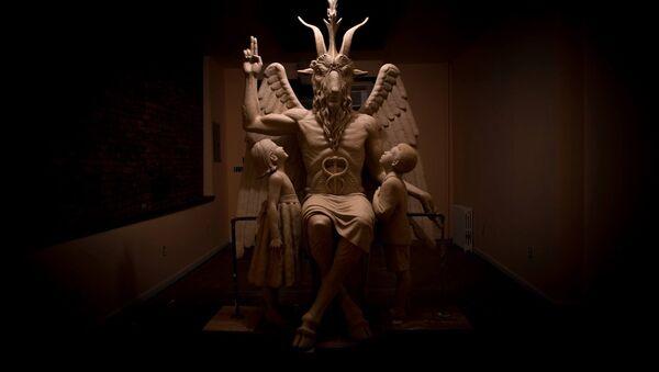 A sculpture of the Satanic god Baphomet unveiled by The Satanic Temple in Detroit, Michigan - Sputnik International