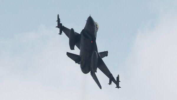A Turkish F-16 fighter jet takes off from Incirlik airbase in the southern city of Adana, Turkey, July 27, 2015 - Sputnik International