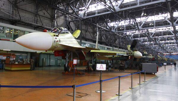 Multi-purpose Su-30CM fighter jet in the assembly shop at the Irkutsk aviation plant - Sputnik International