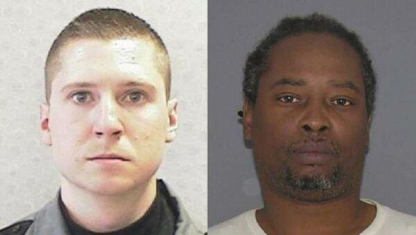 University of Cincinnati police officer Ray Tensing, left, was charged with murder after shooting and killing Sam DuBose during a July 19 traffic stop. - Sputnik International