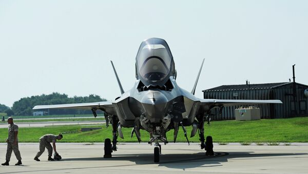 A Marine Corp F-35B Joint Strike Fighter at Patuxent River Naval Air Station, Maryland - Sputnik International