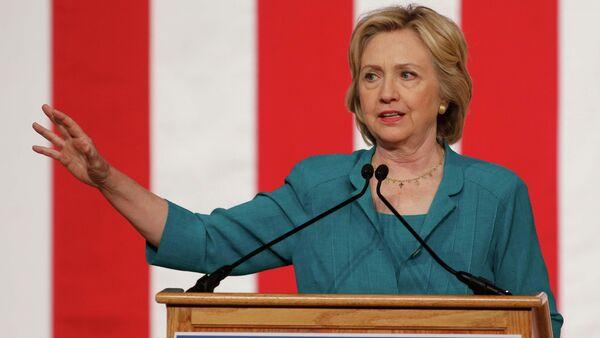 U.S presidential candidate Hillary Clinton makes a speech on Cuban relations at Florida International University in Miami, Florida July 31, 2015 - Sputnik International