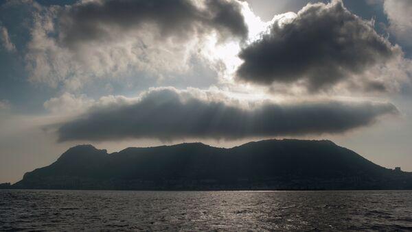 The rock of Gibraltar is seen from La Linea de la Concepcion, Spain - Sputnik International