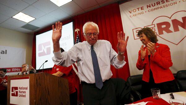 Vermont Senator and U.S. Democratic presidential candidate Bernie Sanders speaks after receiving an endorsement from the National Nurses United in Oakland, California August 10, 2015 - Sputnik International