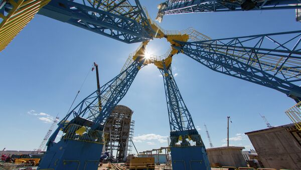 The mast for fuel supply to the Soyuz-2 rocket on the launch pad at the Vostochny Cosmodrome in Amur Region - Sputnik International